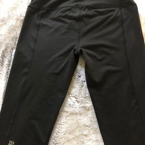 Victoria sports knock out tights